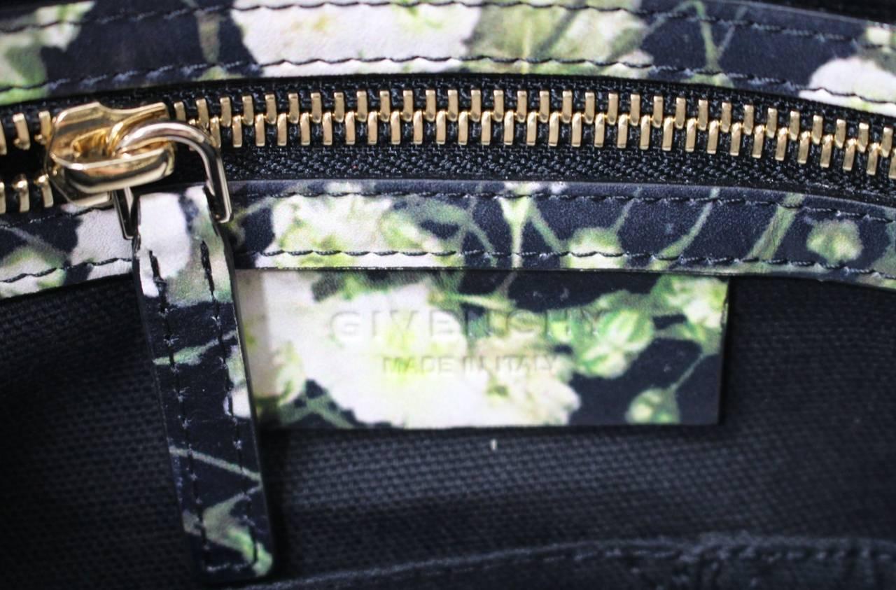 Givenchy Black Leather Babys Breath Pandora Messenger Bag 8