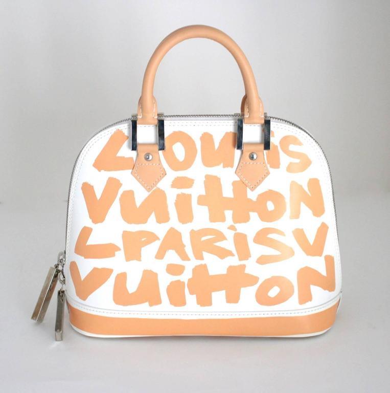 Louis Vuitton White and Beige Leather Graffiti Alma MM 3