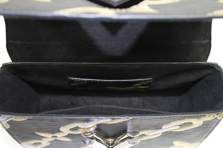 Louis Vuitton Chain Flower Epi Twist MM in Black Noir 7