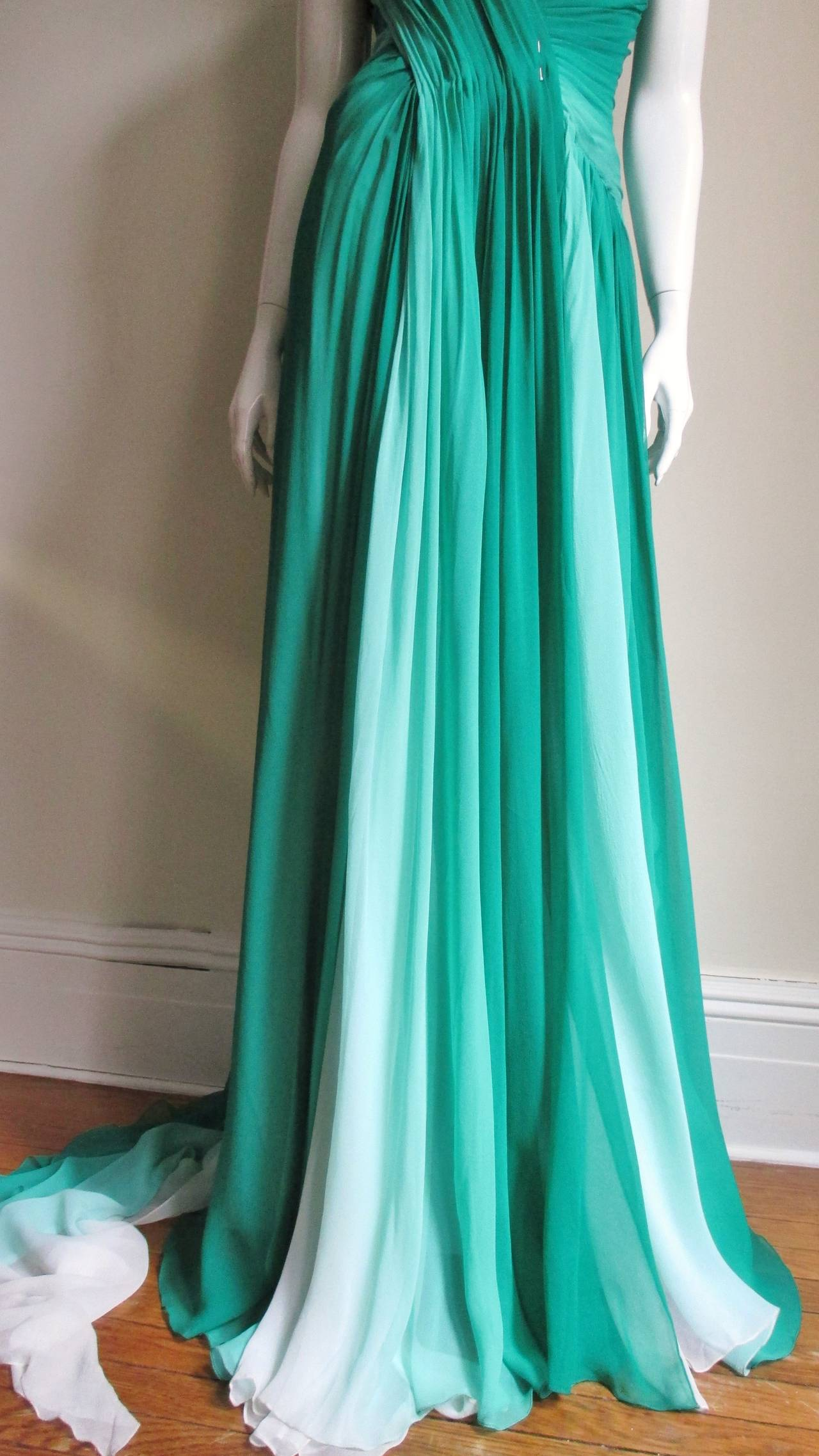 Monique L'huillier Emerald Silk Ombre Gown With Train In New never worn Condition For Sale In New York, NY