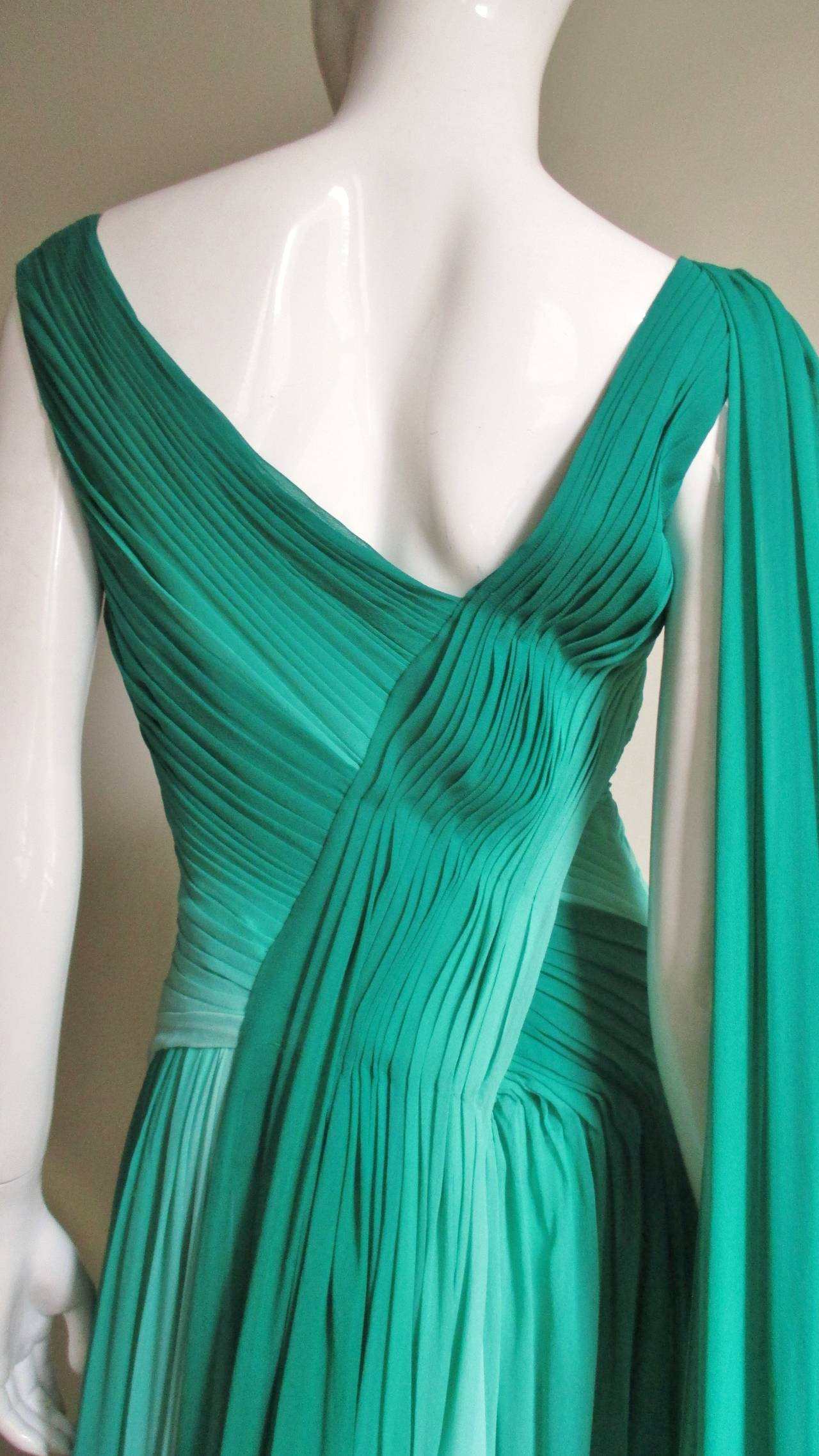 Monique L'huillier Emerald Silk Ombre Gown With Train For Sale 3