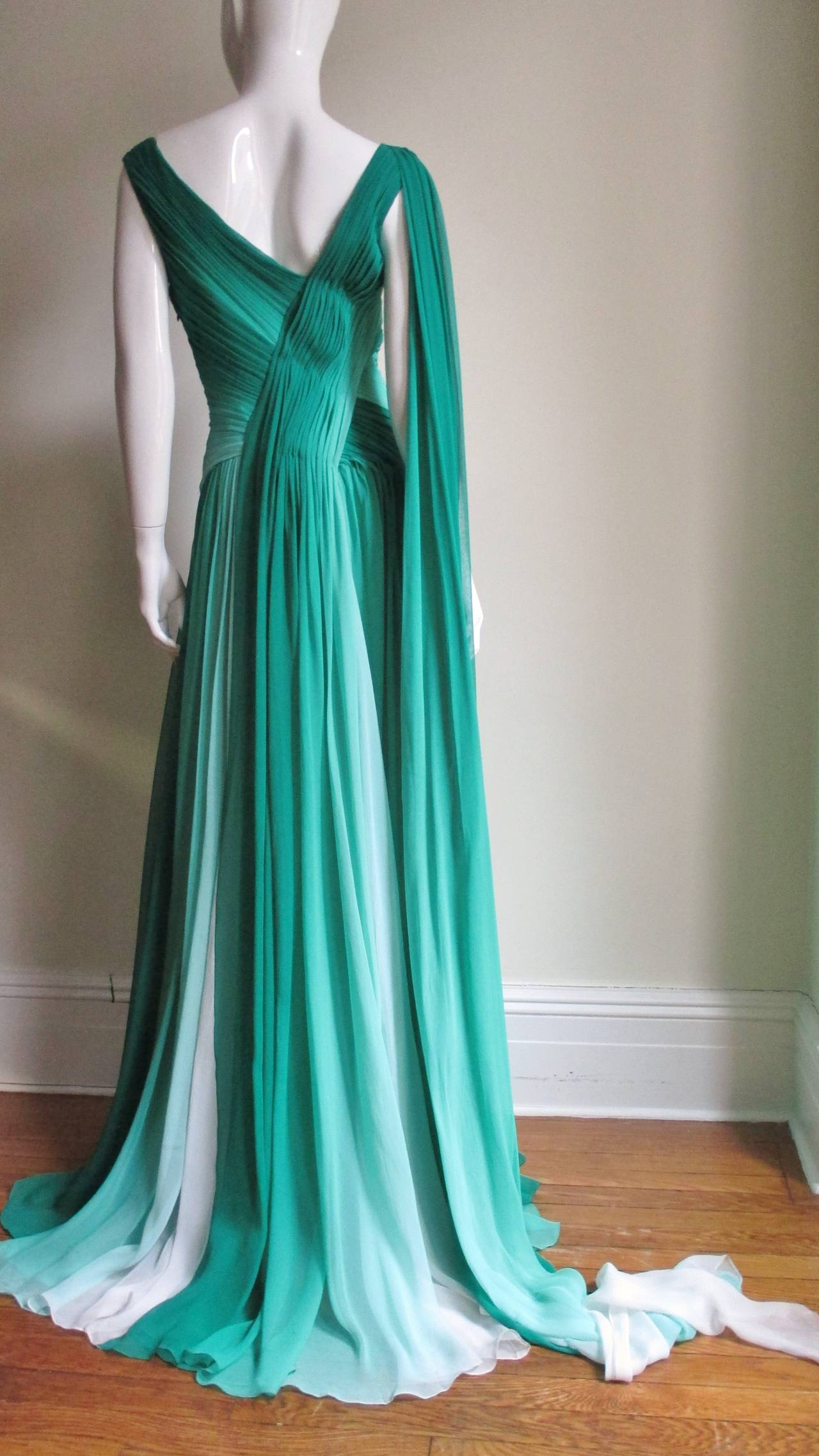 Monique L'huillier Emerald Silk Ombre Gown With Train For Sale 4