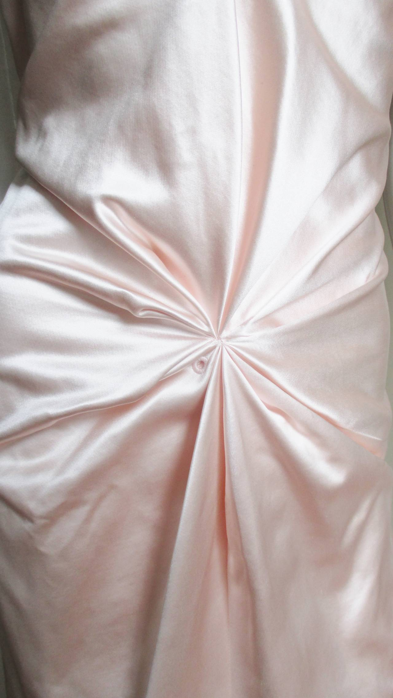 Ferragamo Shell Pink Plunge Silk Dress In New Never_worn Condition For Sale In New York, NY