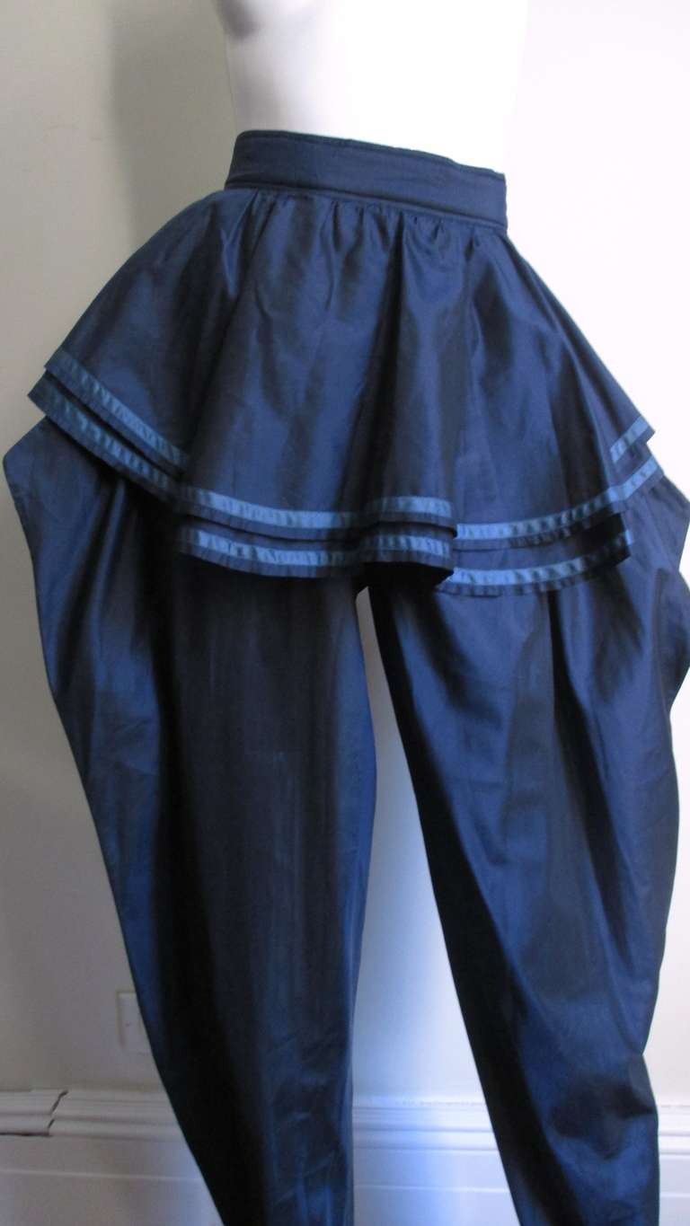 1980's Dramatic Gianni Versace Silk Pants In Excellent Condition For Sale In New York, NY