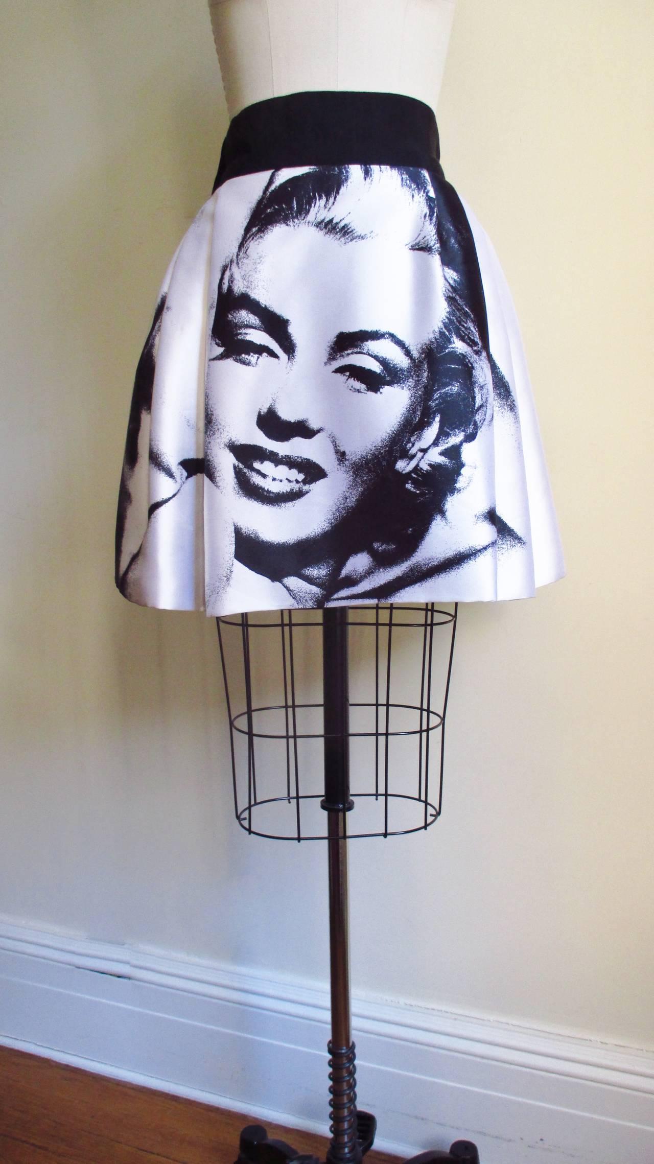 Iconic Marilyn Monroe Dolce & Gabbana Screen Print Skirt 6