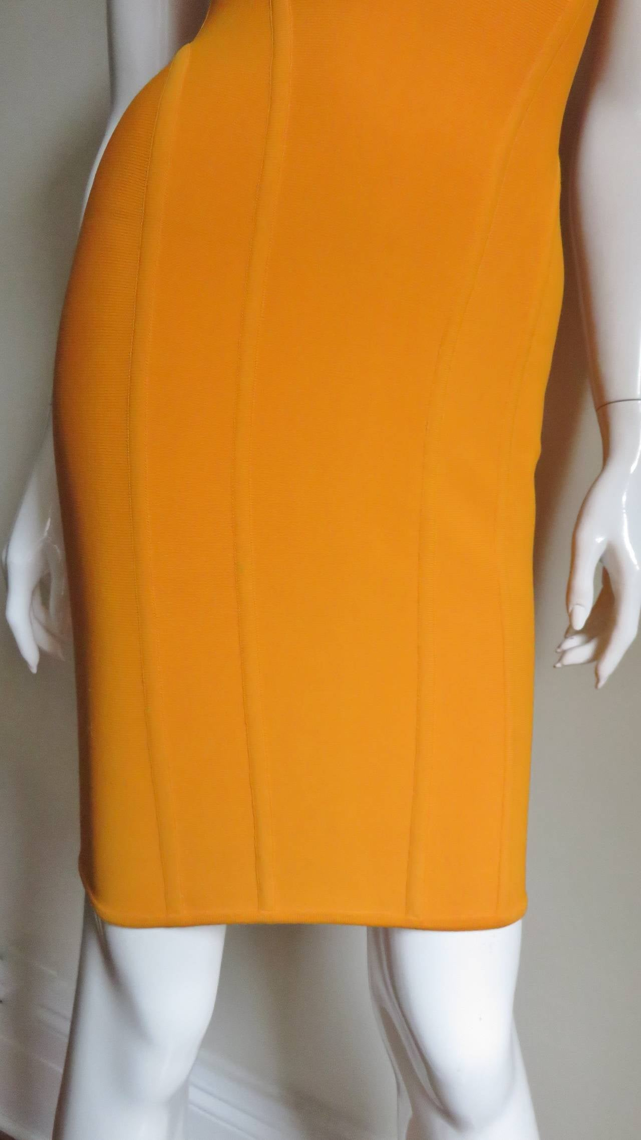 Vintage Herve Leger Bodycon Dress In New never worn Condition For Sale In New York, NY