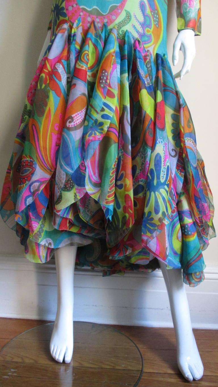 Incredible 1960s Pierre Cardin Psychedelic Orb Hem Dress 3