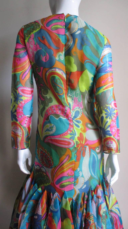 Incredible 1960s Pierre Cardin Psychedelic Orb Hem Dress 7