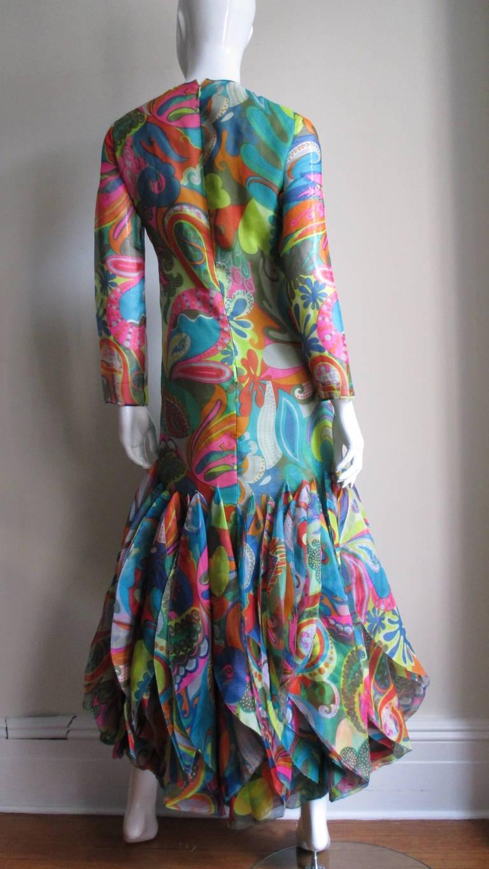 Incredible 1960s Pierre Cardin Psychedelic Orb Hem Dress 9