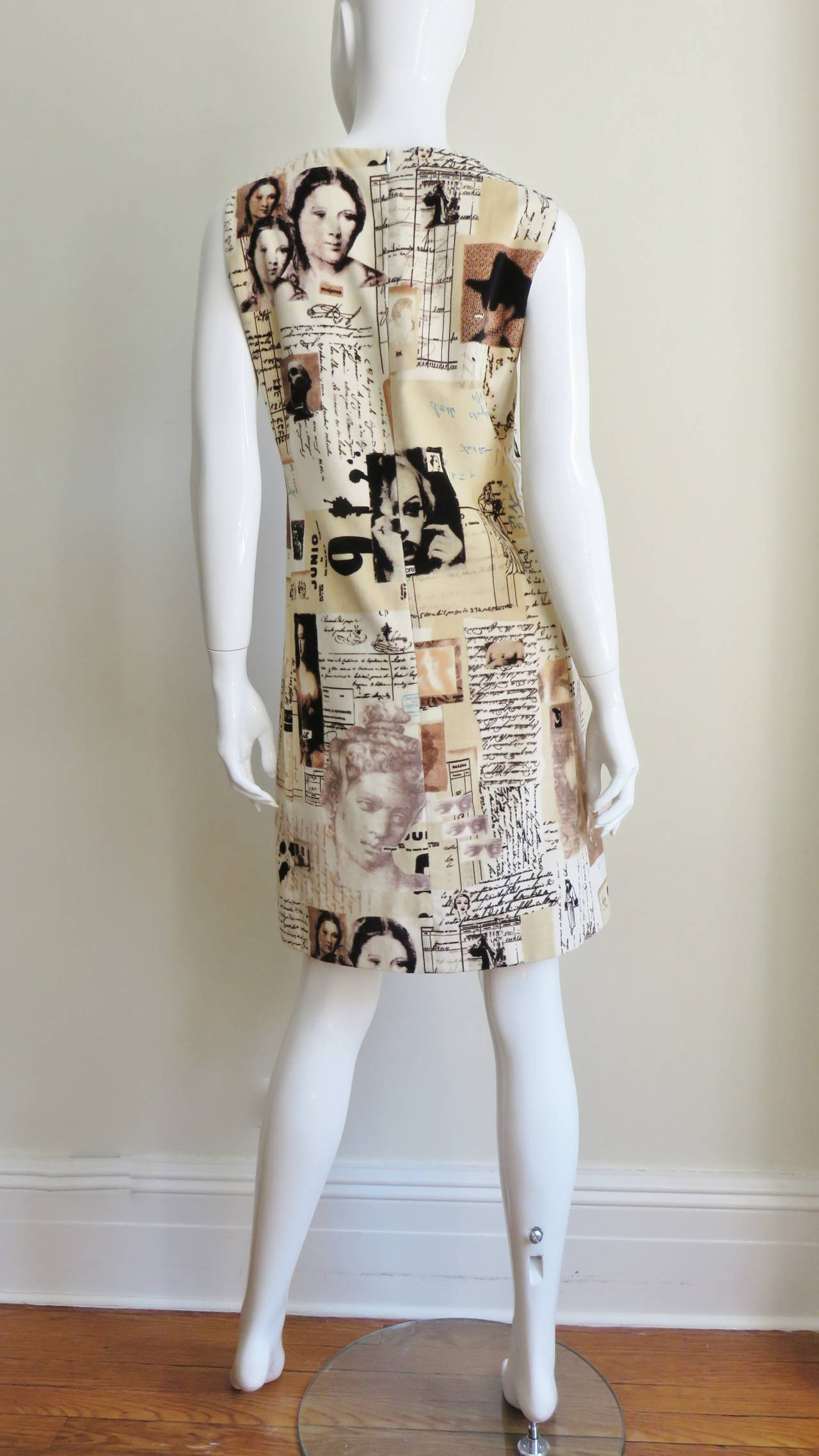 1990s Moschino Photo Screen Print Dress For Sale 4