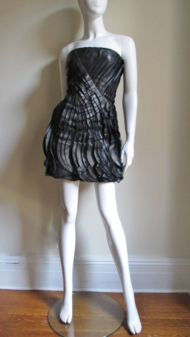 Women's Incredible Valentino Leather & Silk Strapless Dress For Sale
