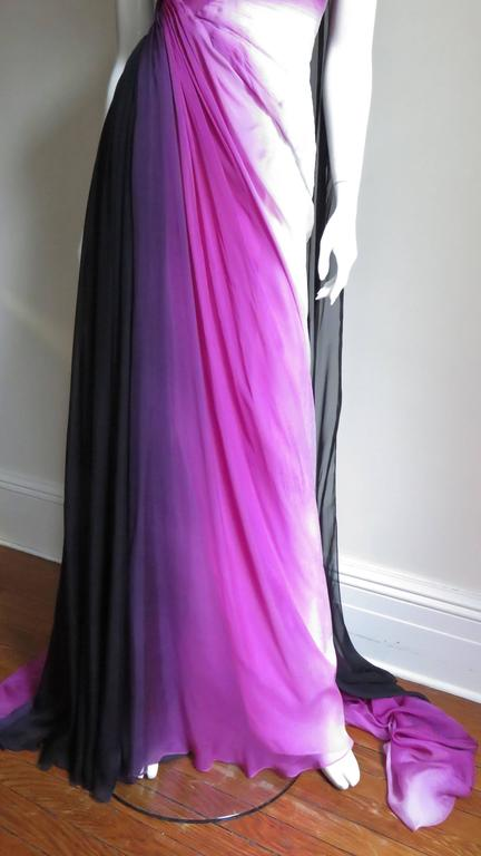 Women's Monique Lhuillier Collection Ombre New Gown With Pleated Waist & Train For Sale