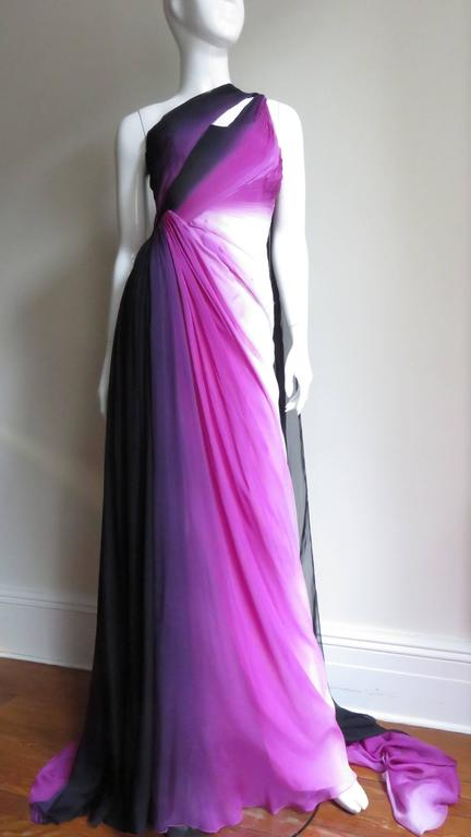 Monique Lhuillier Collection Ombre New Gown With Pleated Waist & Train For Sale 1