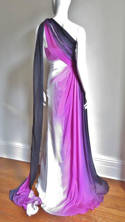 Monique Lhuillier Collection Ombre New Gown With Pleated Waist & Train For Sale 4