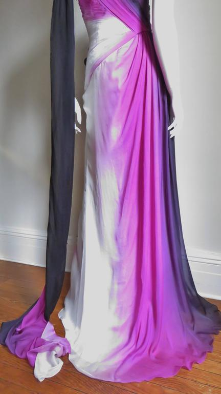 Monique Lhuillier Collection Ombre New Gown With Pleated Waist & Train For Sale 3