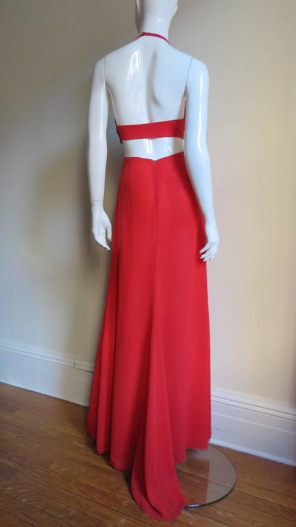 Fabulous Valentino Plunge Gown With Cutout Waist 4
