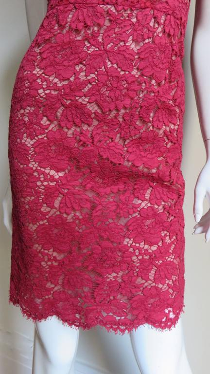 Valentino Fabulous Lace Dress In Excellent Condition For Sale In New York, NY