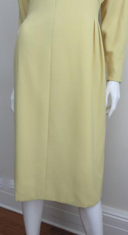 1970's Pauline Trigere Lemon Dolman Sleeve Dress In New never worn Condition For Sale In New York, NY