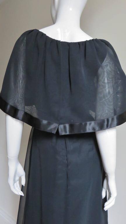 Travilla Dress with Capelet 1970s For Sale 4