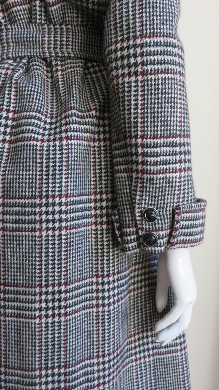 1970s Adele Simpson Wrap Coat and Matching Skirt For Sale 10
