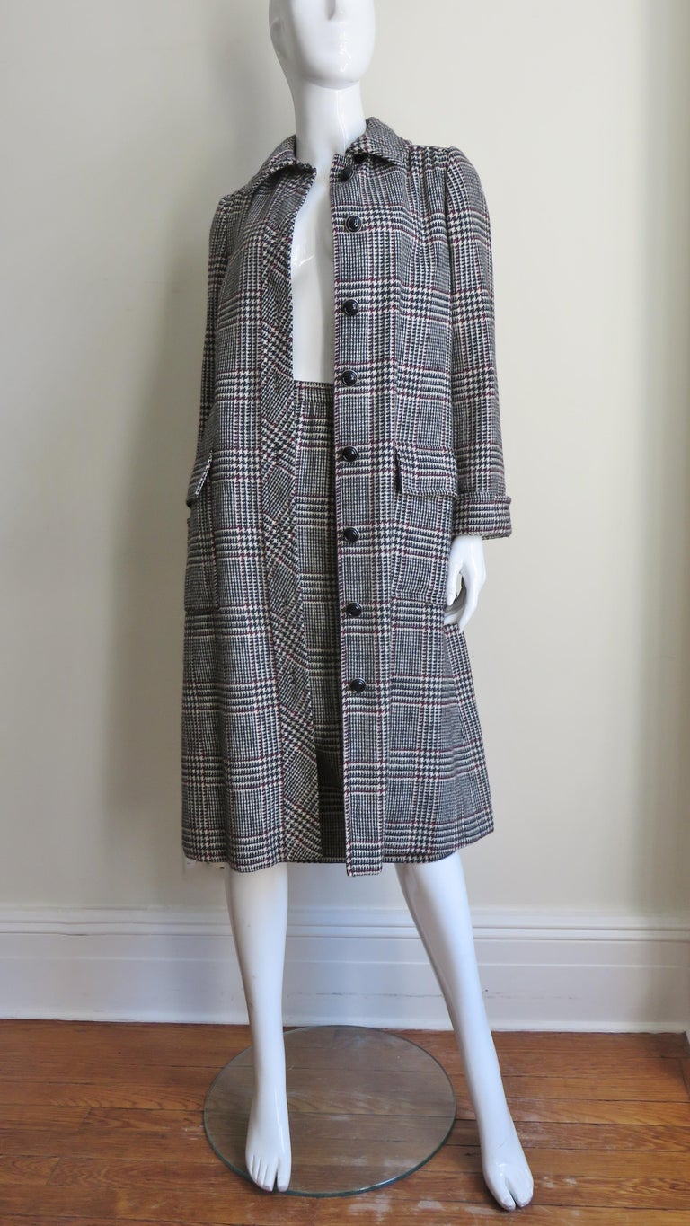 1970s Adele Simpson Wrap Coat and Matching Skirt For Sale 4