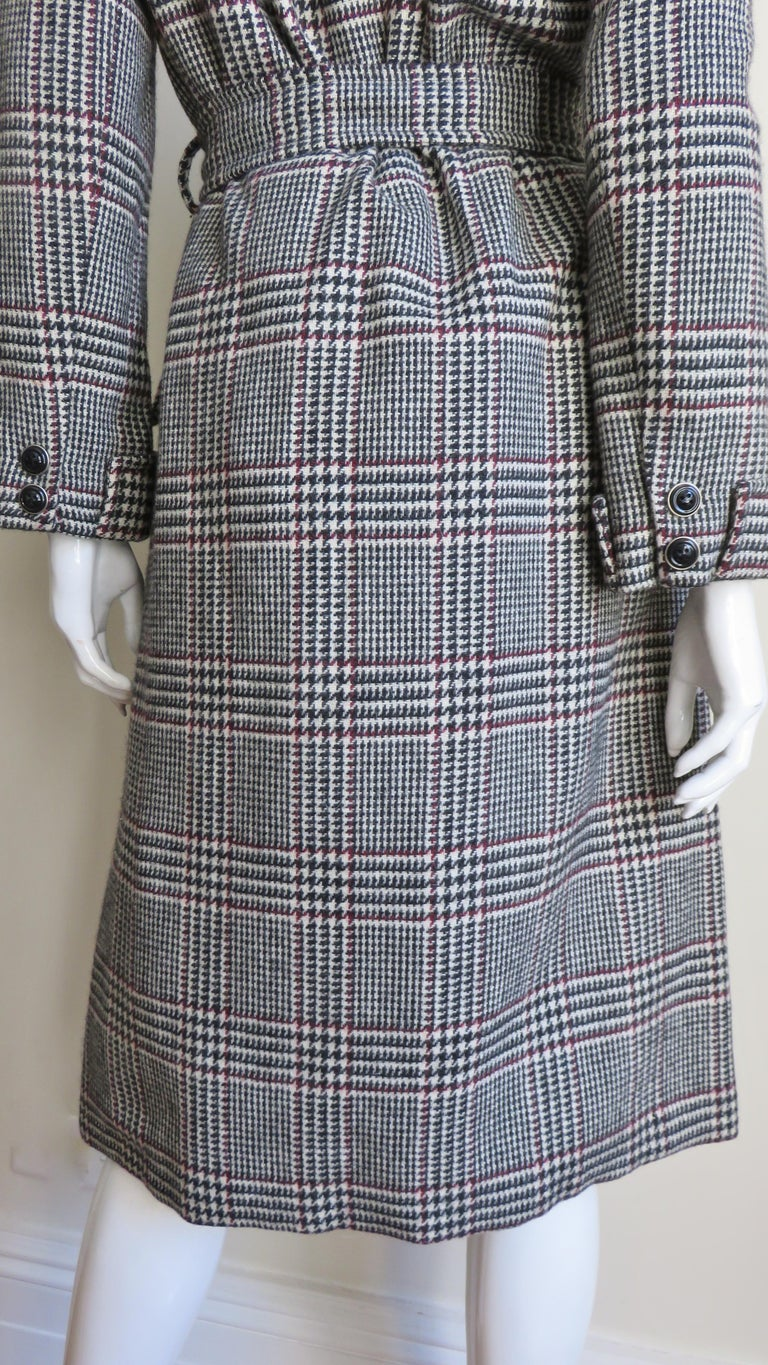 1970s Adele Simpson Wrap Coat and Matching Skirt For Sale 11