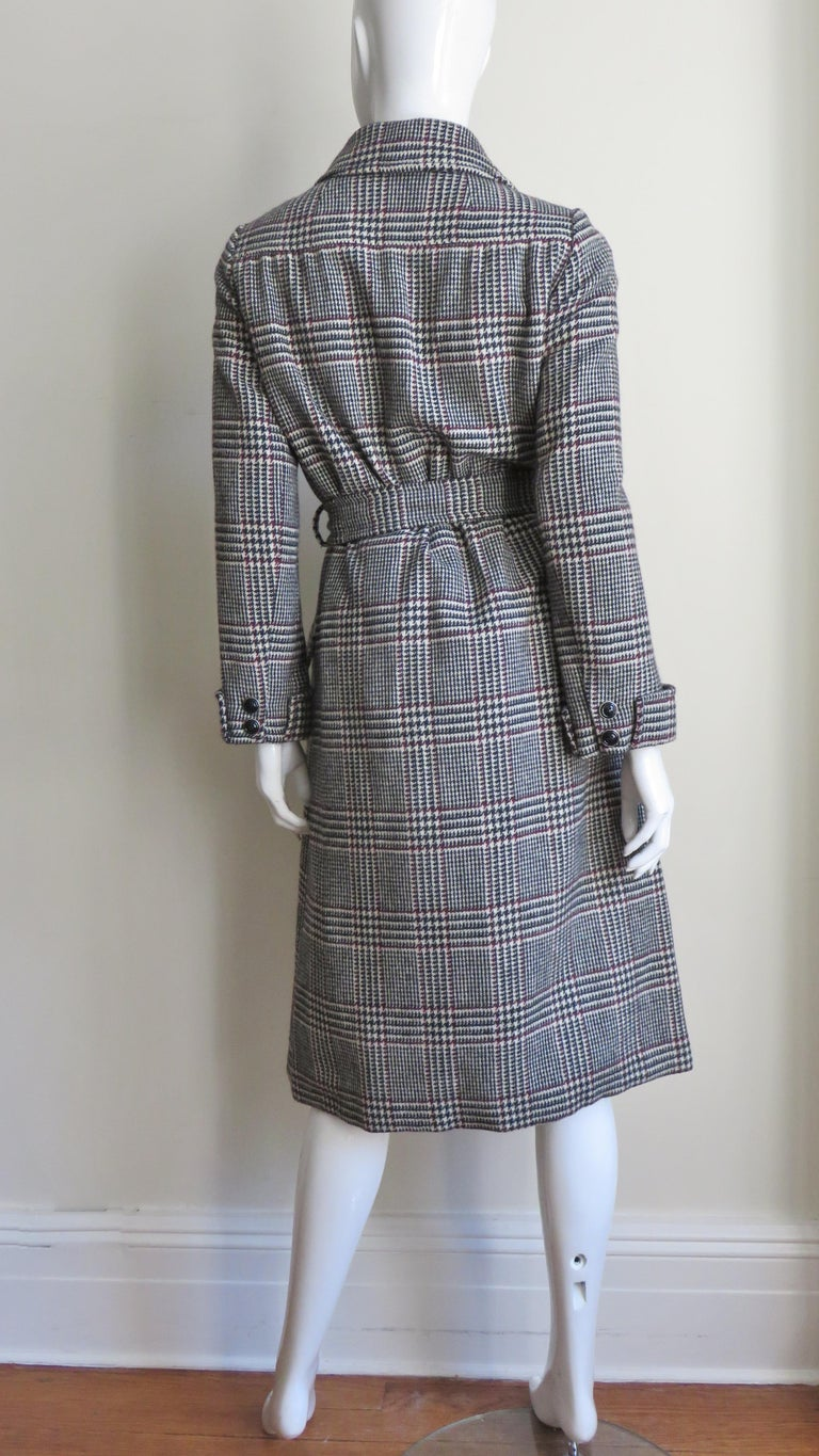 1970s Adele Simpson Wrap Coat and Matching Skirt For Sale 12