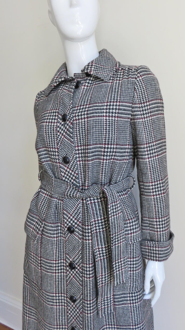 1970s Adele Simpson Wrap Coat and Matching Skirt In Good Condition For Sale In New York, NY