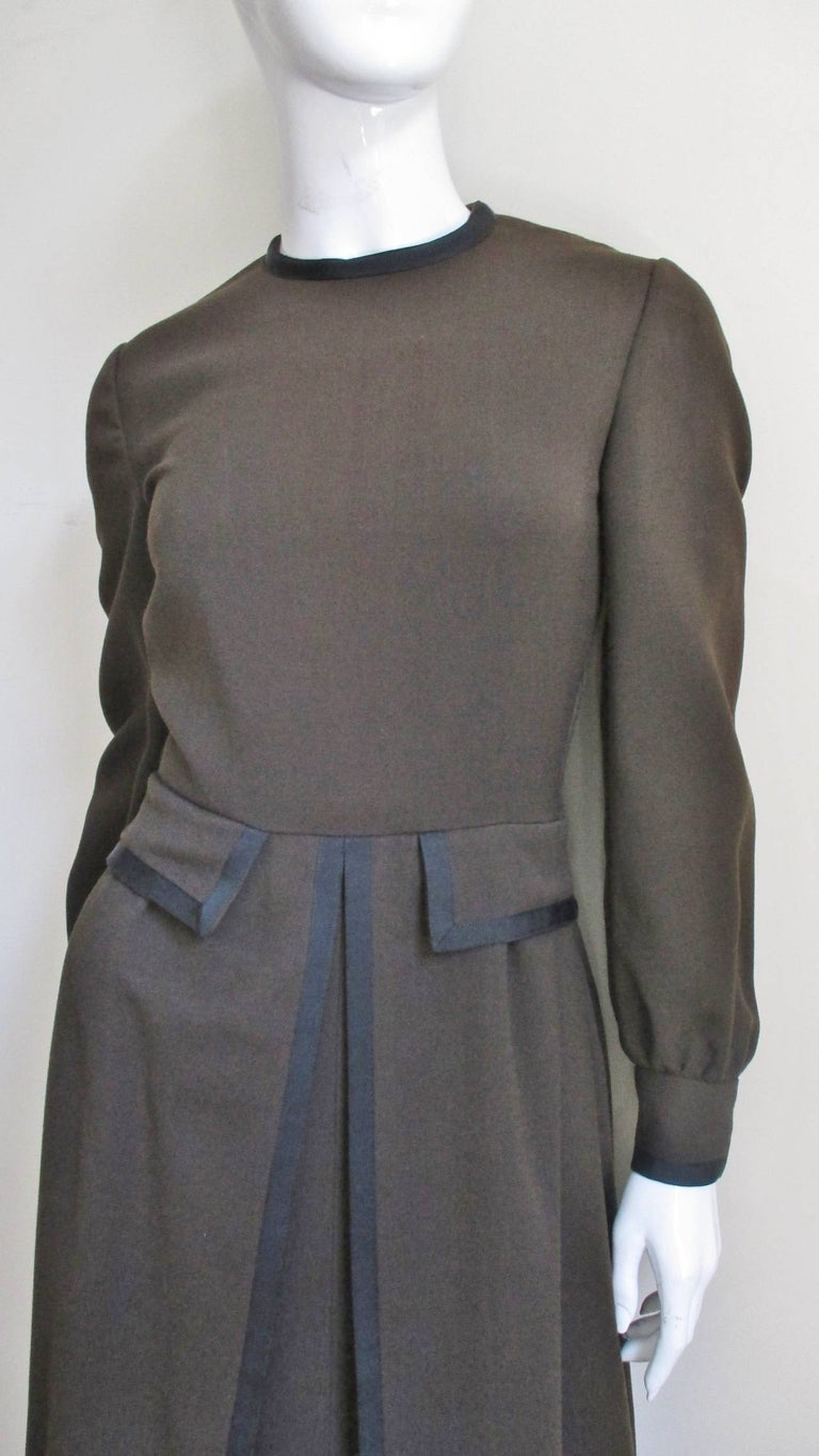 Geoffrey Beene 1970s Brown with Black Trim Dress In Good Condition For Sale In New York, NY