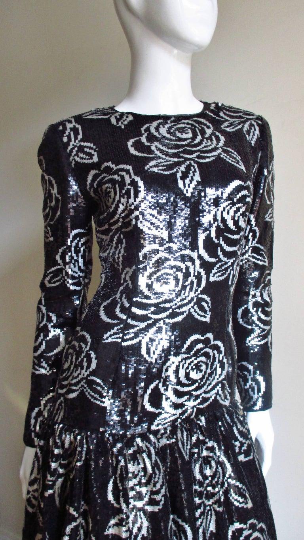 Women's 1990s Oscar de la Renta Sequin Gown For Sale
