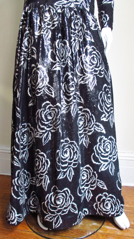 1990s Oscar de la Renta Sequin Gown For Sale 1