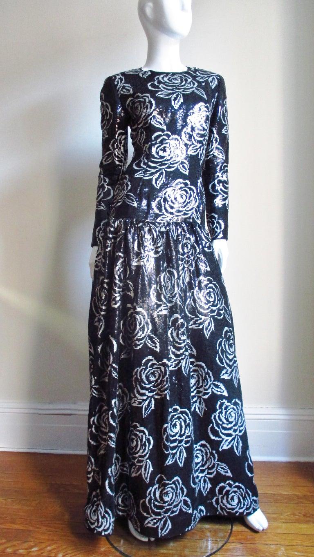 1990s Oscar de la Renta Sequin Gown For Sale 2