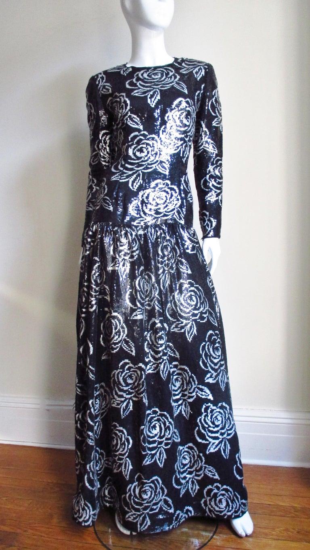 1990s Oscar de la Renta Sequin Gown For Sale 3