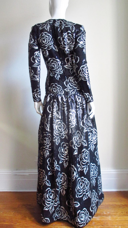 1990s Oscar de la Renta Sequin Gown For Sale 4
