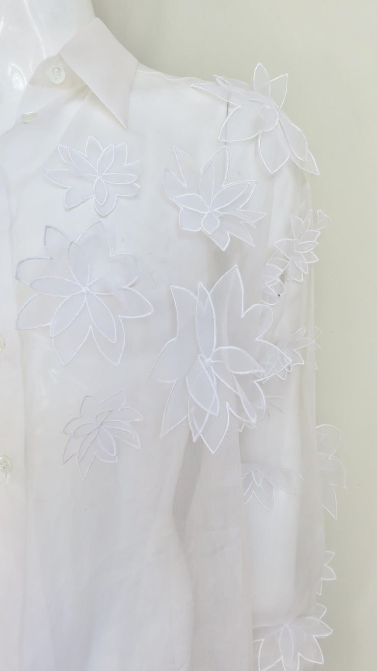 Dolce & Gabbana Flower Applique Silk Shirt In Good Condition For Sale In New York, NY