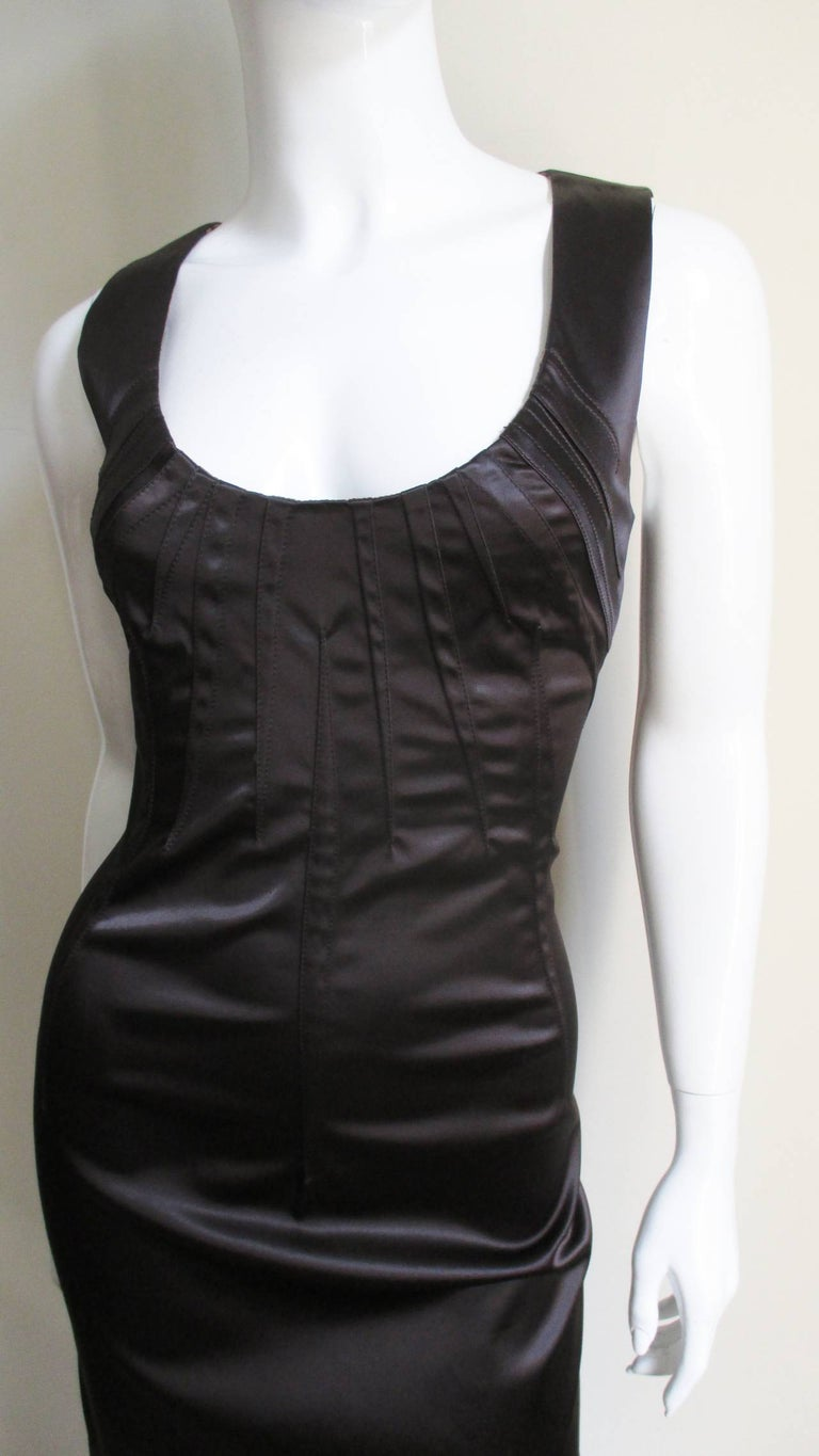 Dolce & Gabbana Dart Detail Bodycon Dress In Good Condition For Sale In New York, NY