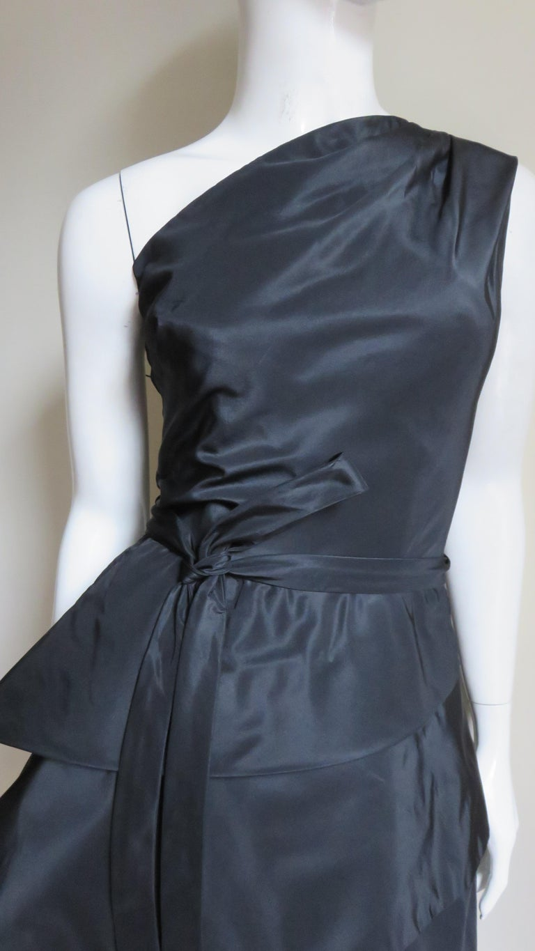 1950s New Werle Sculptural Silk Dress In Good Condition For Sale In New York, NY