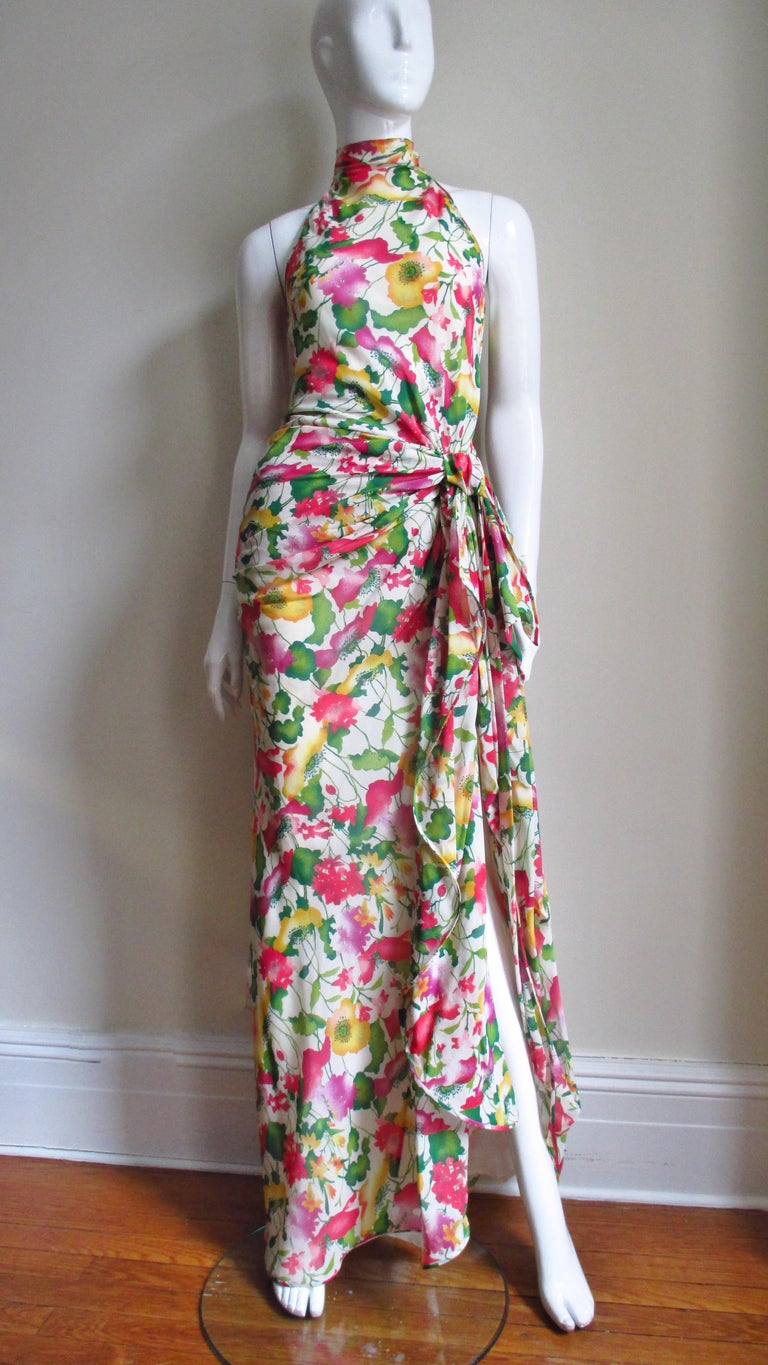 Valentino Boutique Silk Flower Gown In Good Condition For Sale In New York, NY
