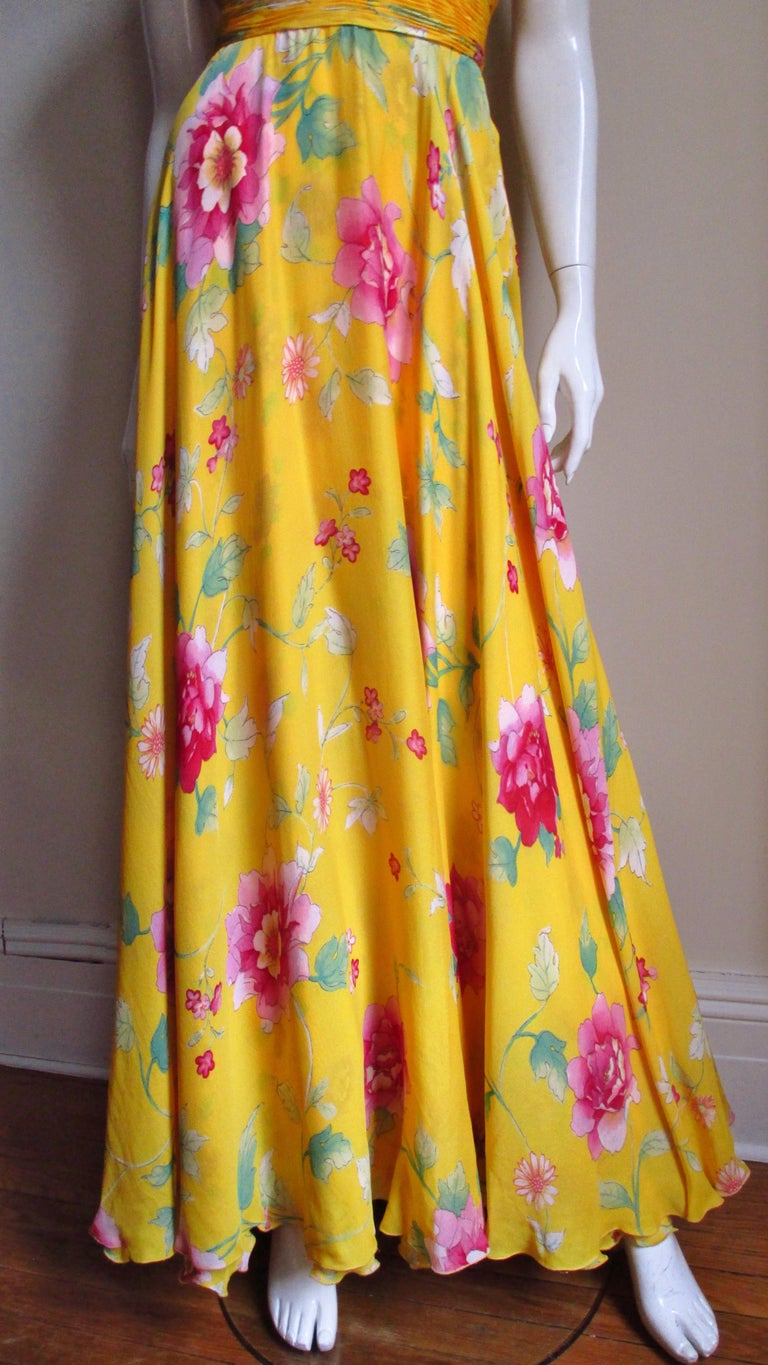 Valentino Ruched Silk Flower Gown For Sale 2