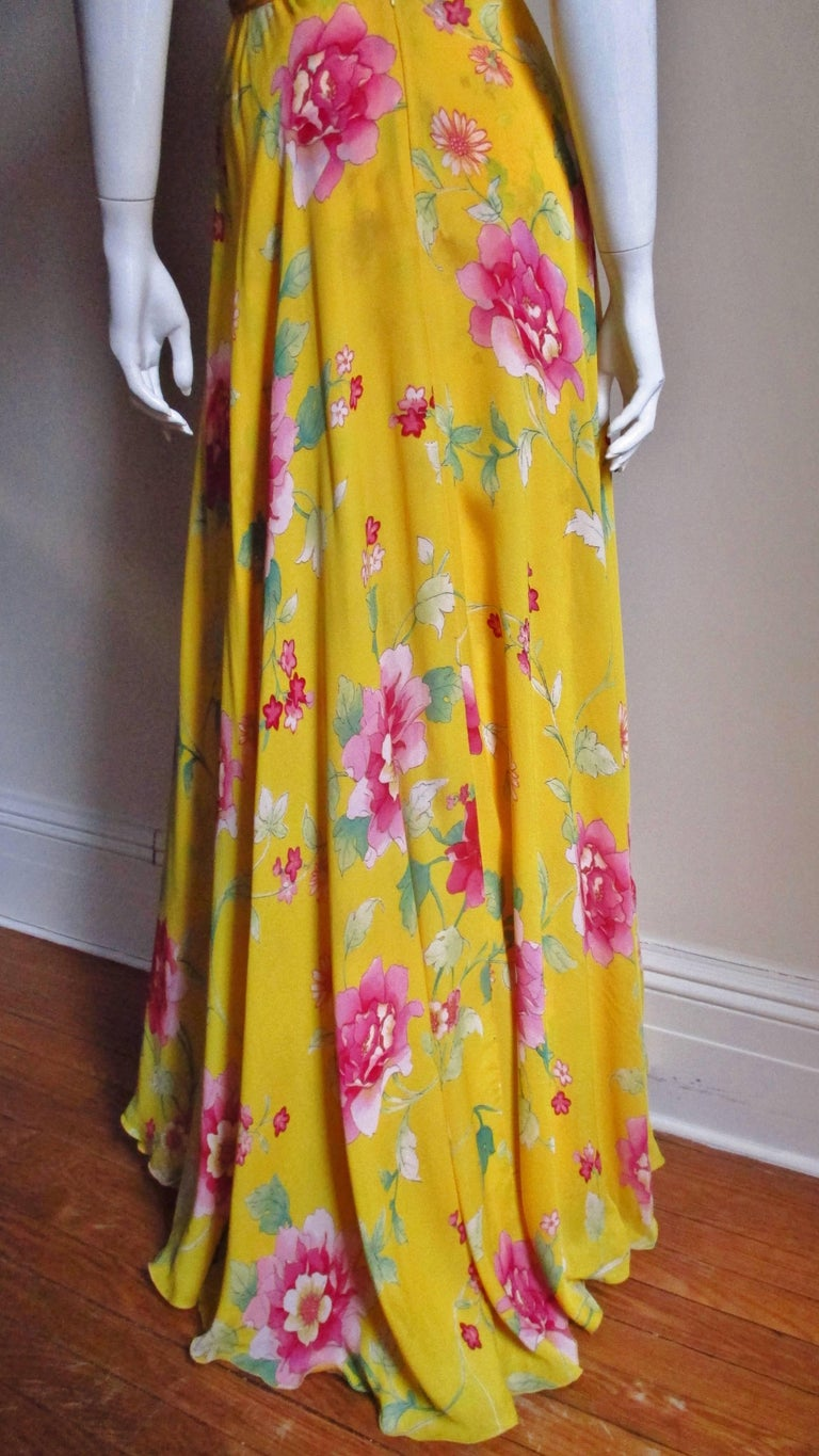 Valentino Ruched Silk Flower Gown For Sale 6