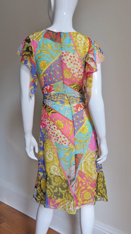 Gianni Versace Silk Print Plunge Dress For Sale 5