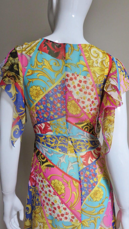 Gianni Versace Silk Print Plunge Dress For Sale 6