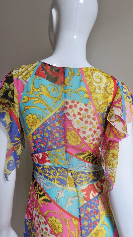 Gianni Versace Silk Print Plunge Dress For Sale 7