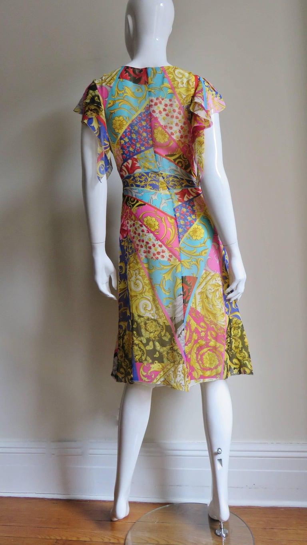Gianni Versace Silk Print Plunge Dress For Sale 9