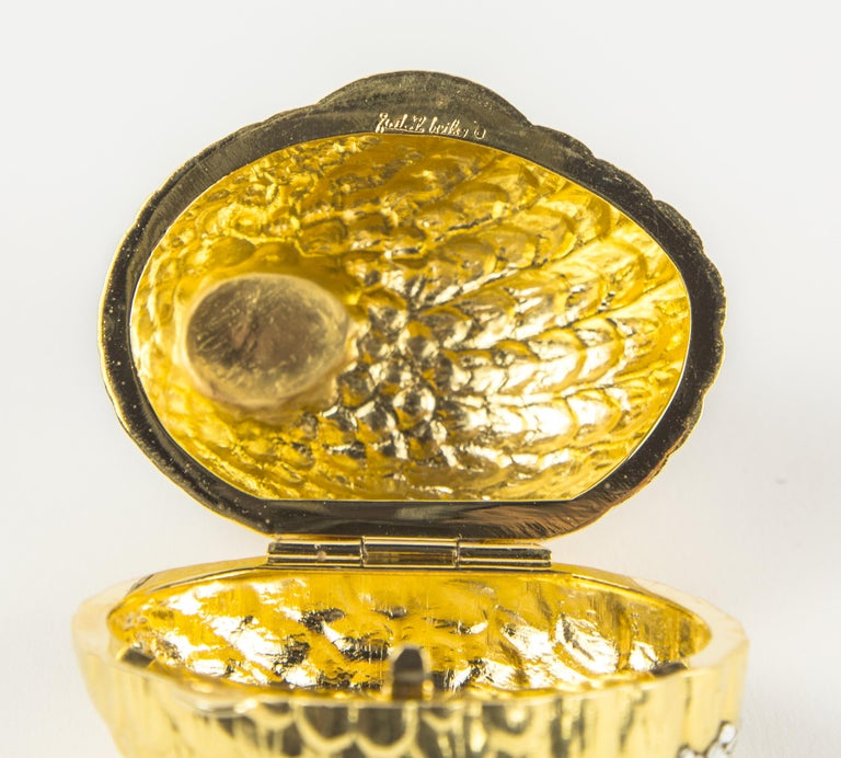 Judith Leiber Faux Diamond Quail Bird Pill Box In New Condition For Sale In Montreal, QC