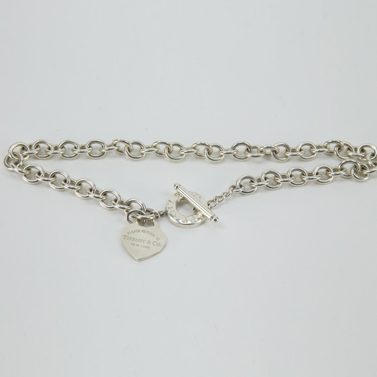 ec9f63229 Beautiful Chunky Tiffany & Co Sterling Silver Heart Link Toggle Necklace  signed: TIFFANY & CO