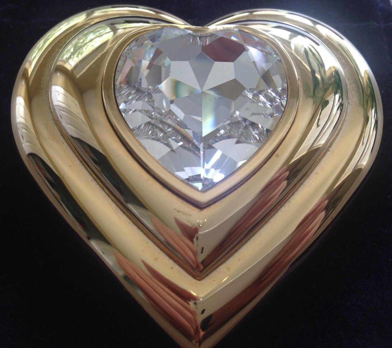 Yves Saint Laurent Paris Poudre Ecrin Crystal Heart Jeweled Compact  YSL 4