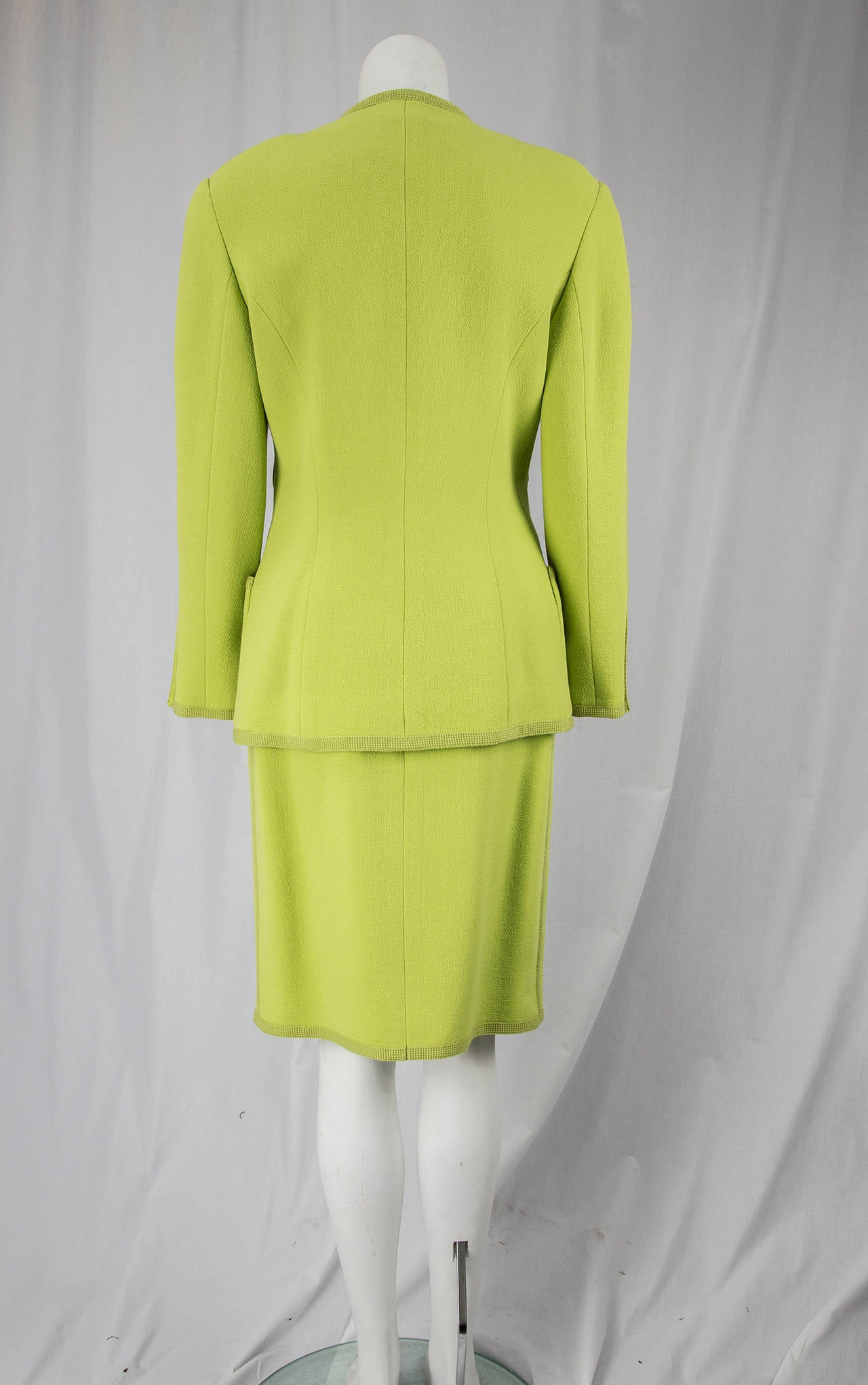 CHANEL BOUTIQUE Chartreuse Green Suit Signature Chanel For Sale 1