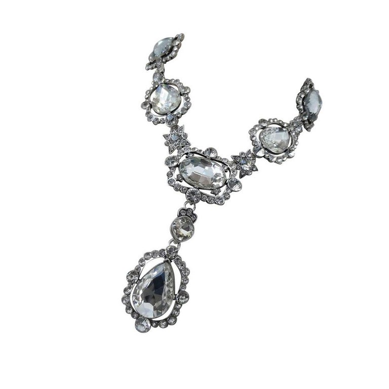 Signed Oscar De La Renta Crystal Estate Statement Necklace In Excellent Condition For Sale In Montreal, QC
