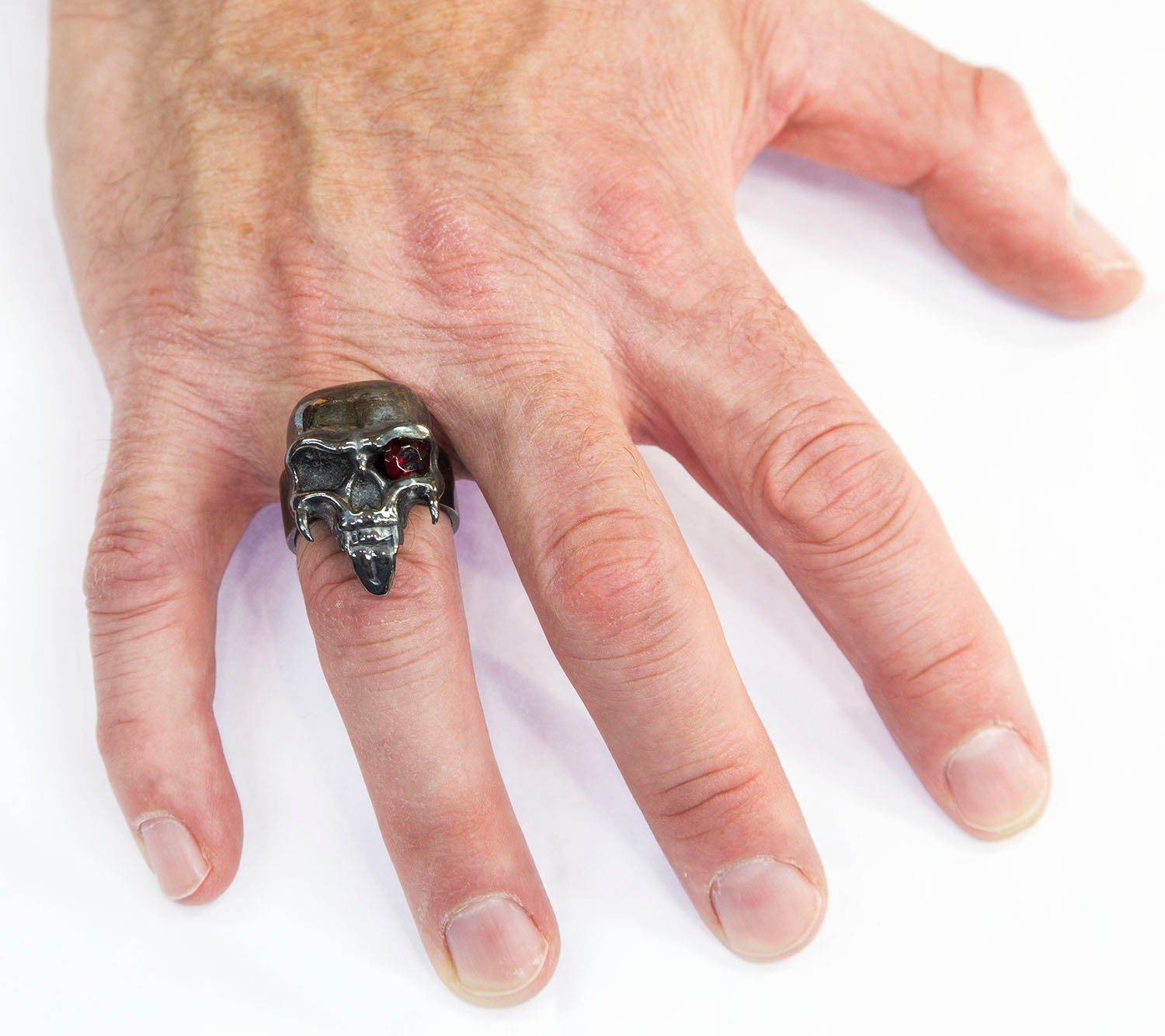 Dynamic Large Sterling Silver Skull Ring For Sale at 1stdibs